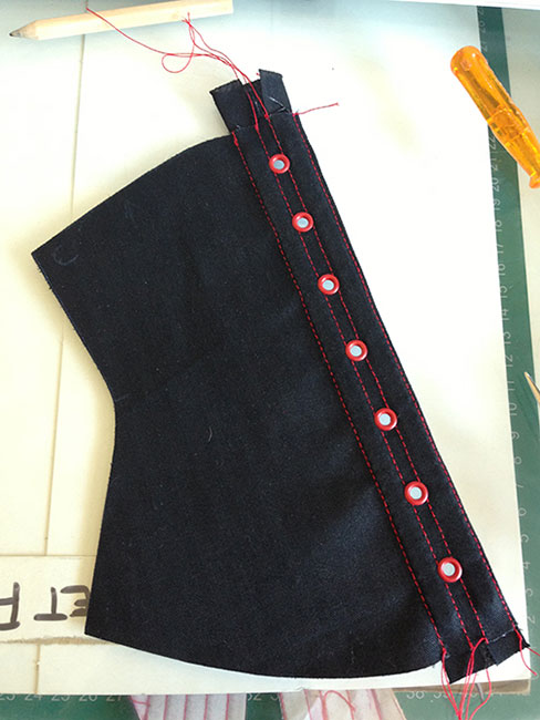 how to make a corset - eyelets 11