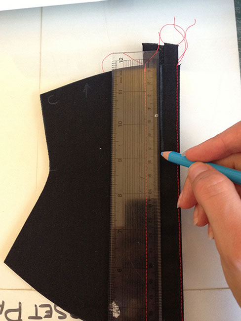 how to make a corset - eyelets 2