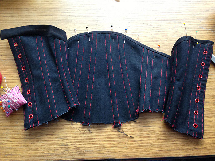 Today I have been Mostly Making… A Foxy Little Waist Corset