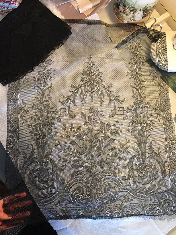 corset making lace flowers